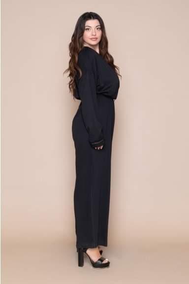 Ολόσωμη φόρμα Kyara μονόχρωμη μαύρη κρουαζέ μ